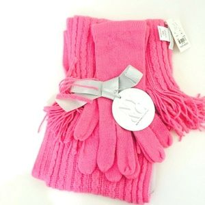 NWT! New York & Company Pink Scarf Gloves Gift Set